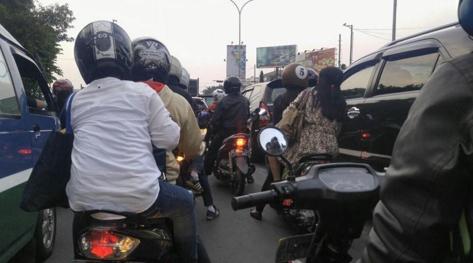 Pemerintah Menerapkan system ganjil genap pada motor ?