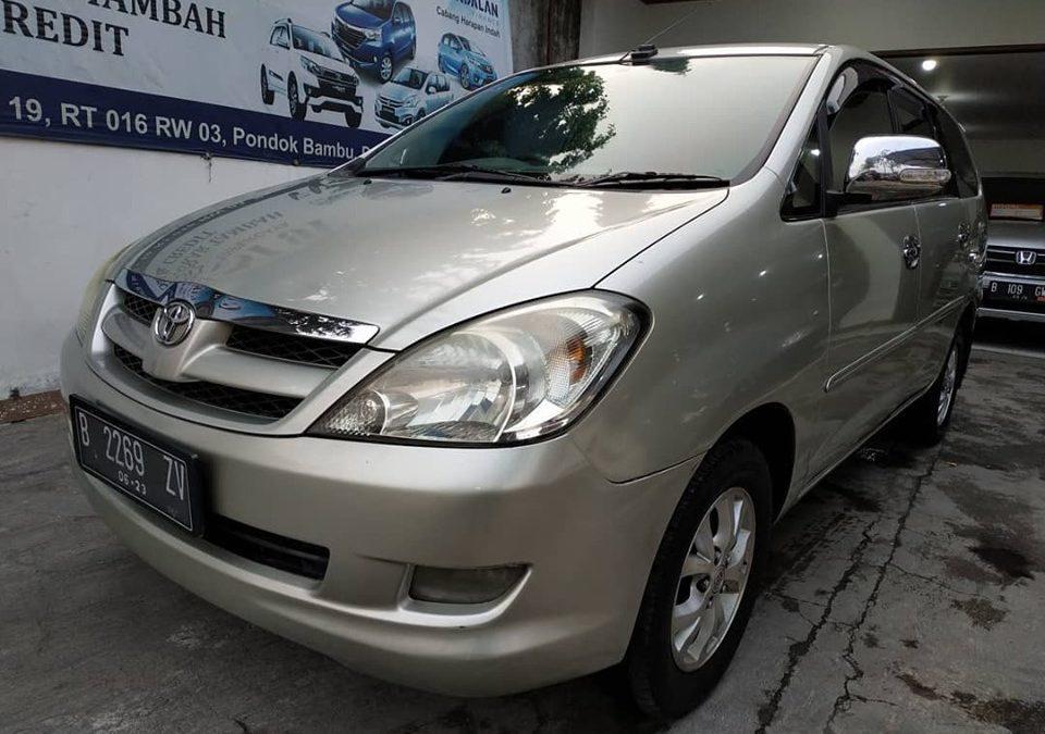 Toyota innova V lux matic 2008