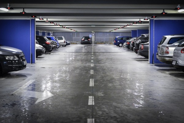 Cari Parkiran mobil susah ini solusinya